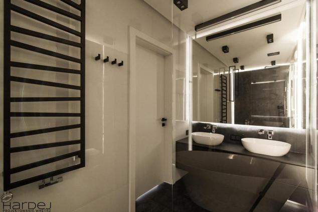 aranżacja łazienka czarna szafka