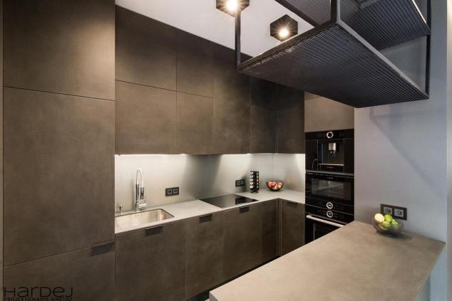 projekt wnętrz czarne spieki w kuchni