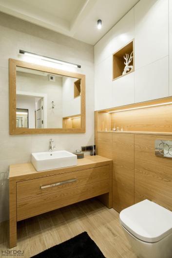 aranżacja łazienka szafki białe drewniane