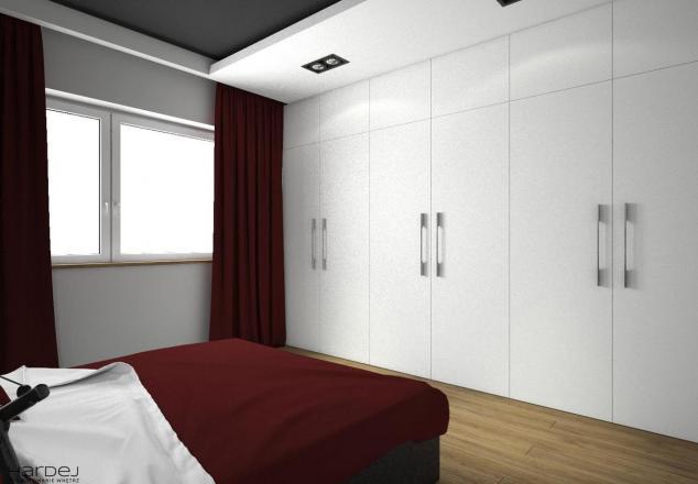 projekt wnętrz sypialnia biała szafa ciemny sufit