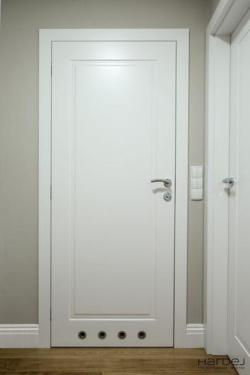 drzwi frezowane białe