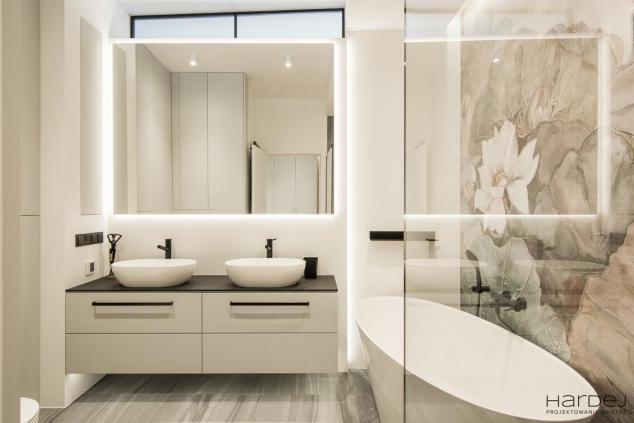 łazienka tapeta wanna wolnostojąca styl nowoczesny
