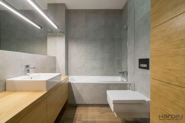łazienka styl minimalistyczny szare płytki