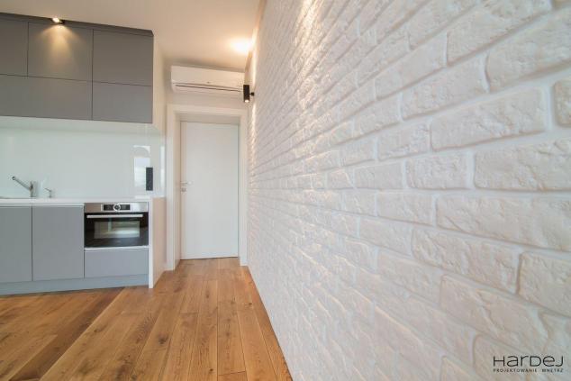 minimalizm biała cegła