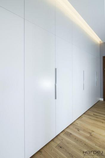 projekt duża szafa hol długi