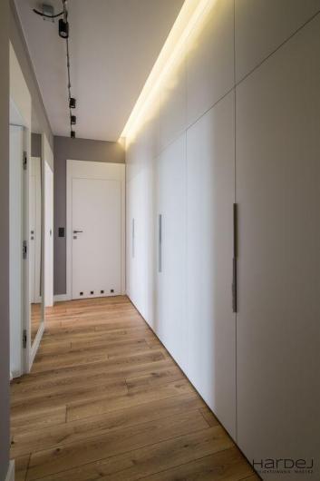 projekt sufit podświetlony hol wejściowy