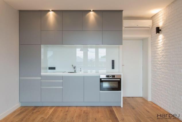 styl minimalistyczny mały aneks kuchenny