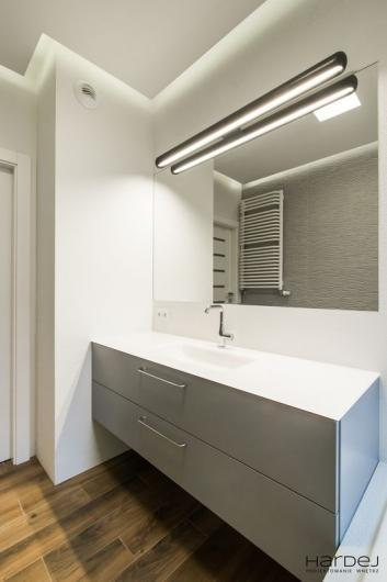 łazienka szafka wisząca