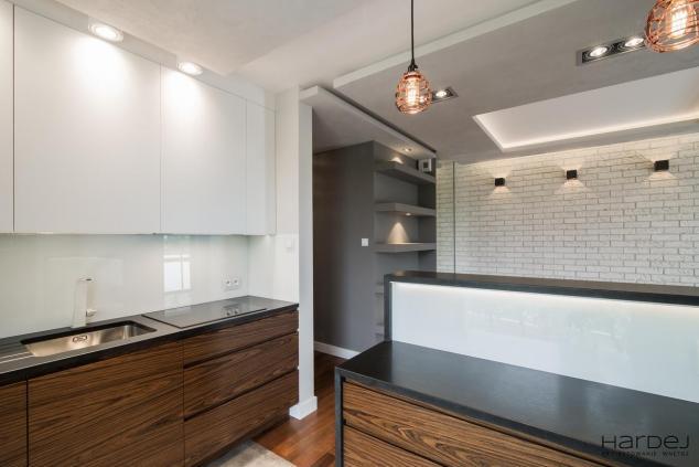 aranżacja kuchnia otwarta na salon styl loftowy